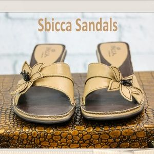 Sbicca Tan and Brown Flower Sandals